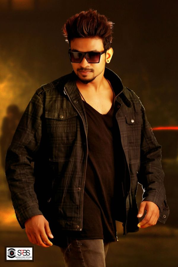 Actor Dhileepan Pugazhendhi Stills (7)