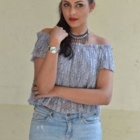Actress Madhu Shalini Latest Hot Stills (10)