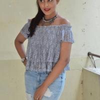 Actress Madhu Shalini Latest Hot Stills (8)