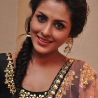 Actress Madhu Shalini Latest Stills (11)