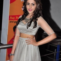 Actress Madhu Shalini Spicy Stills (10)