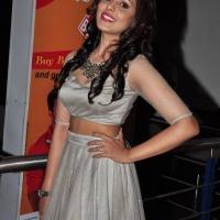 Actress Madhu Shalini Spicy Stills (7)