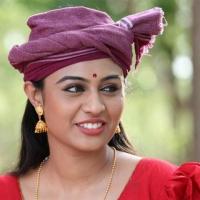 actress-nega-hing-stills-19-small