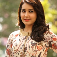 Actress Rashi Khanna New Stills (10)