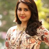 Actress Rashi Khanna New Stills (11)