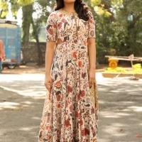 Actress Rashi Khanna New Stills (14)