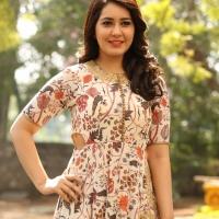 Actress Rashi Khanna New Stills (4)