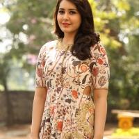 Actress Rashi Khanna New Stills (9)