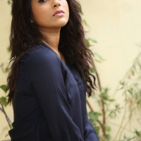 Actress Rashmi Gautam Spicy Stills (10)