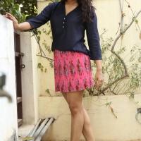 Actress Rashmi Gautam Spicy Stills (7)