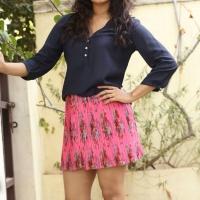 Actress Rashmi Gautam Spicy Stills (8)