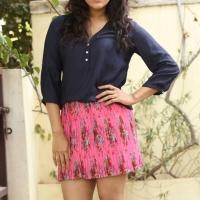 Actress Rashmi Gautam Spicy Stills (9)