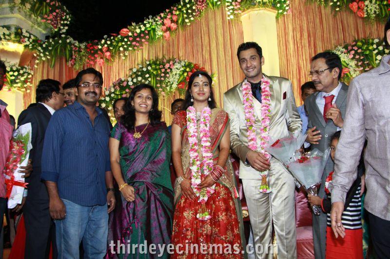 Arulnidhi - Keerthana Wedding Reception Pics (14).JPG