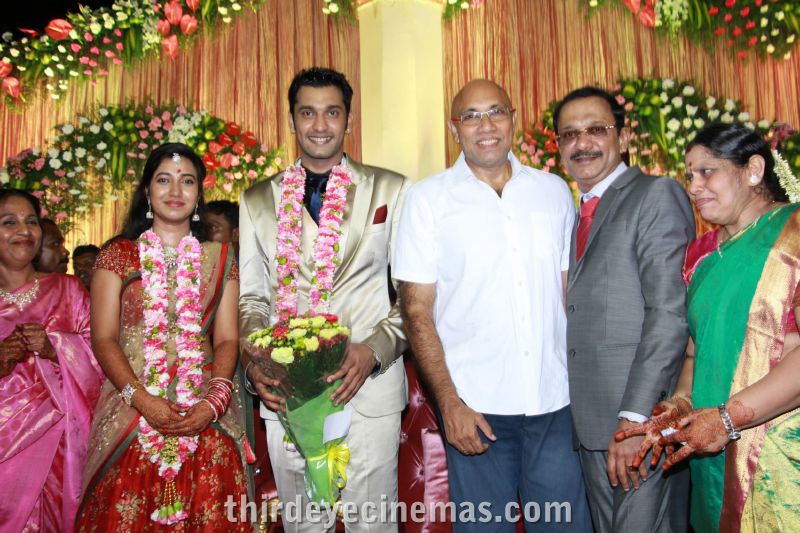 Arulnidhi - Keerthana Wedding Reception Pics (23).JPG