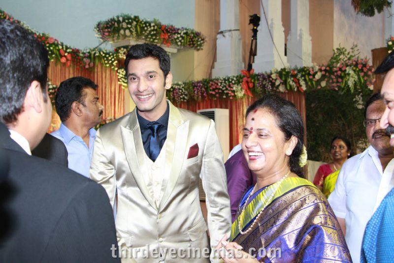 Arulnidhi - Keerthana Wedding Reception Pics (28).JPG