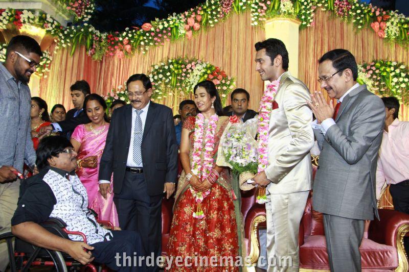 Arulnidhi - Keerthana Wedding Reception Pics (7).JPG