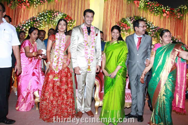 Arulnidhi - Keerthana Wedding Reception Pics (8).JPG