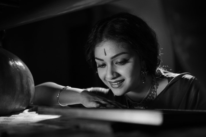 Nadigaiyar Thilagam Movie Stills (7)