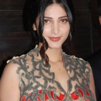ShrutiHasan (22)